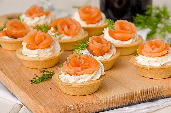 tartlets with salmon